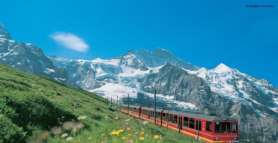 """""""Wanderurlaub in den Alpen auch in diesem Sommer wieder gefragt"""""""