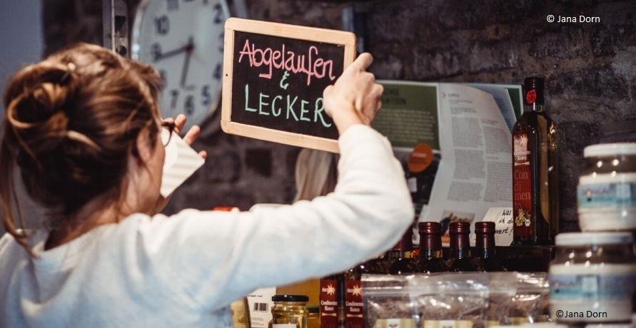 Deutschlands erster Supermarkt für abgelaufene Lebensmittel in Köln