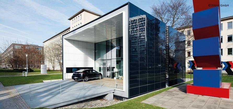 Effizienzhaus Plus: Neues Zentrum für zukunftsgerechtes Bauen