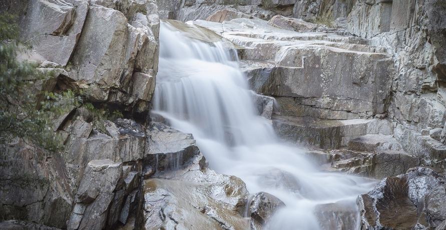 Wasser aus den St. Leonhards Quellen