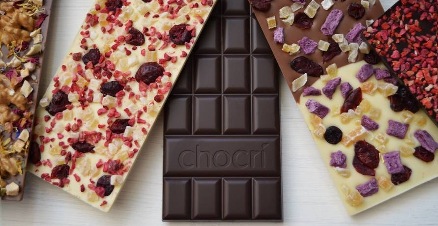 Schokoladentafel nach eigenen Wünschen zusammenstellen