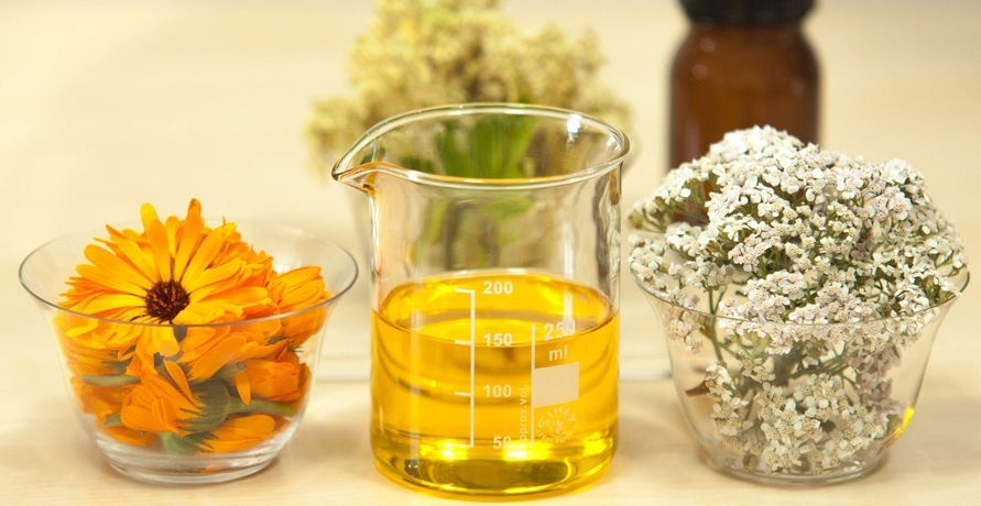Heilpflanzensäfte und Naturkosmetik aus eigenem Bio-Anbau