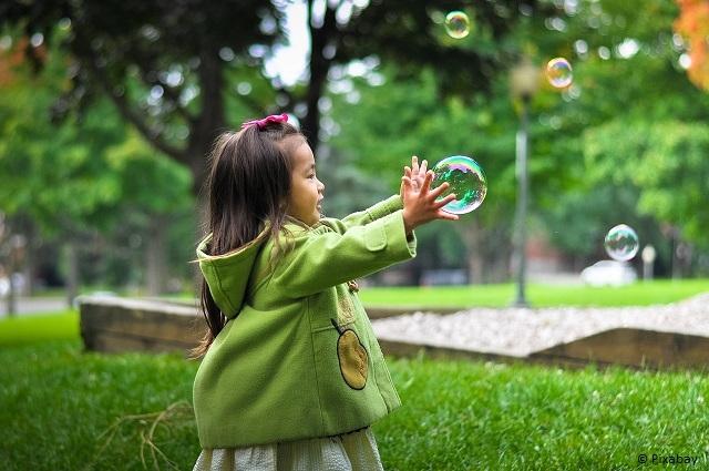 Seifenblasen selber machen. Spaß für Groß und Klein!