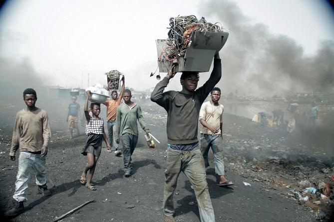 ZDF Film - Gefährlicher Elektroschrott – Endstation Afrika