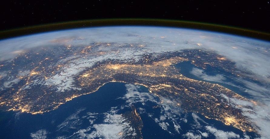 CO2-Steuer versusZertifikatesystem - Herausforderungen bei der Verringerung von Emissionen