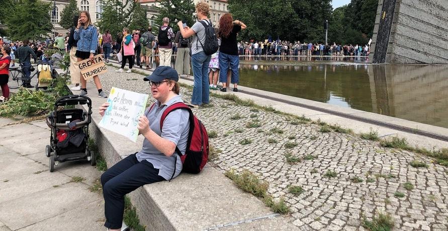 FRIDAYS FOR FUTURE erneut in Berlin und die Frage, was sagt der Rest der Gesellschaft dazu?