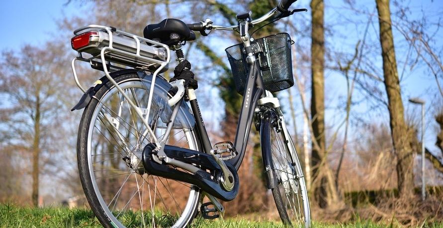 Die 5 Gebote des sicheren E-Bike-Radelns