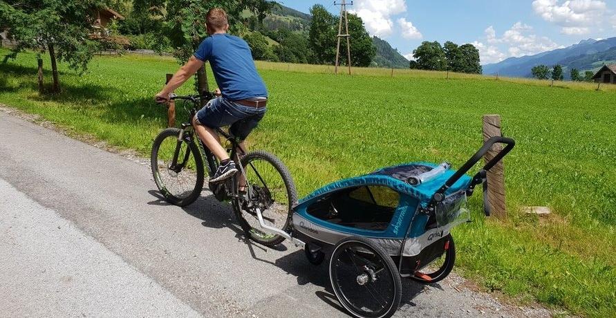 Kinder, Hunde und Lasten mit dem Fahrrad transportieren