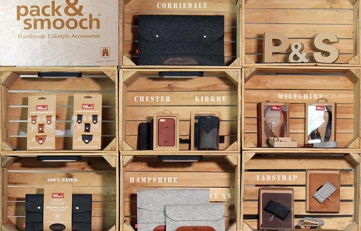 Nachhaltige Sleeves und Accessoires von Pack & Smooch