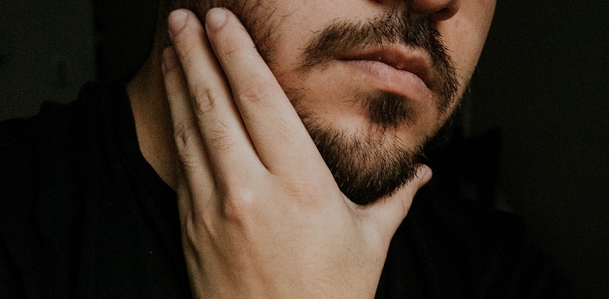 Bartöle für den Mann mit Rohstoffen aus kontrolliert biologischen Anbau