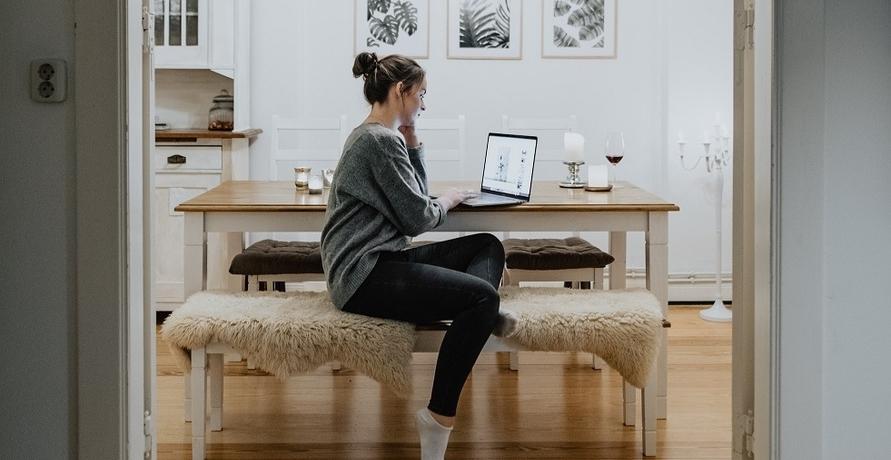 Gemütlich zu Hause mit nachhaltiger Homewear