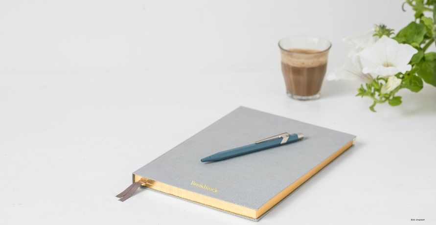 Platz für Gedanken, Ideen, Notizen und Kritzelein. Dein Unikat für dein Journal