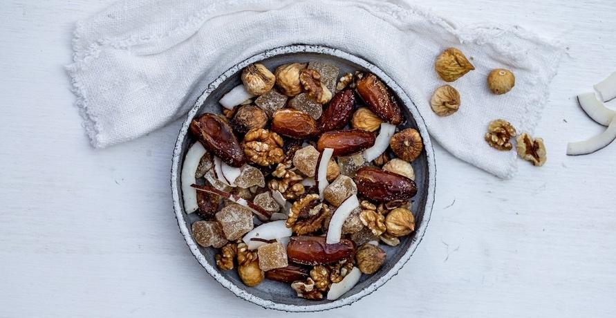 Snack dich glücklich und gesund – Trockenobst und Nüsse in hochwertiger (Bio-)Qualität