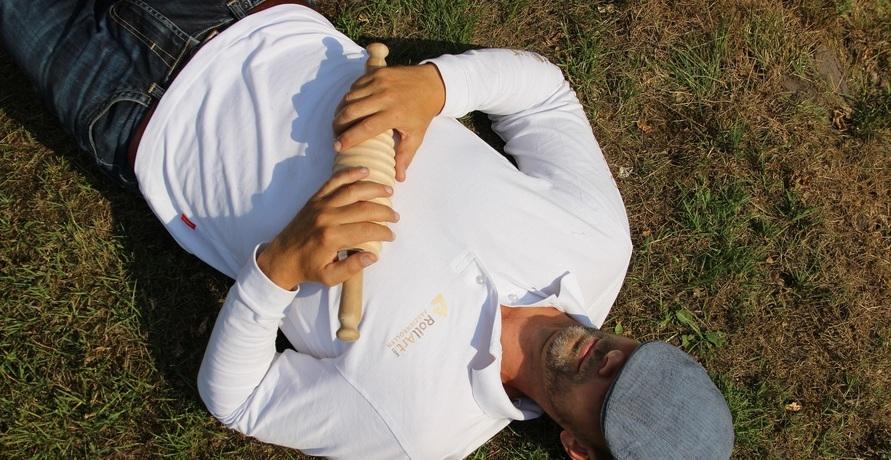 Verklebte Faszien lockern – Ein Blick auf die RollArt Faszienrollen aus Holz