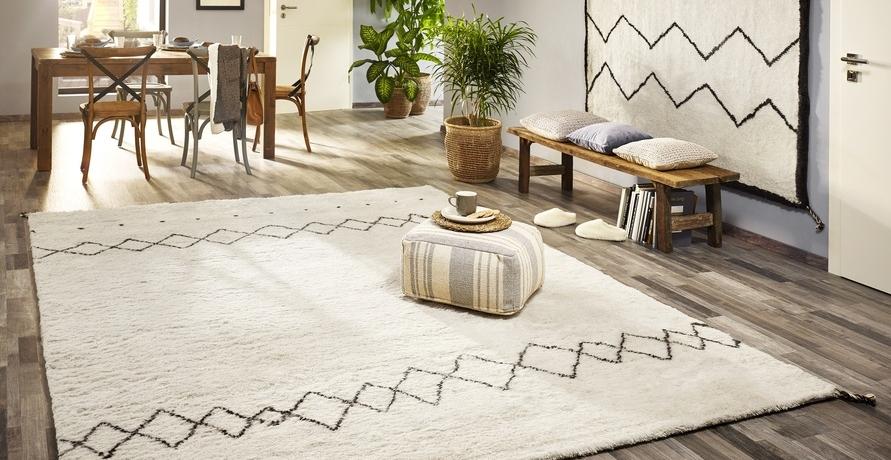 Tradition, Handwerkskunst und Nachhaltigkeit vereint in einem Barfuss Teppich