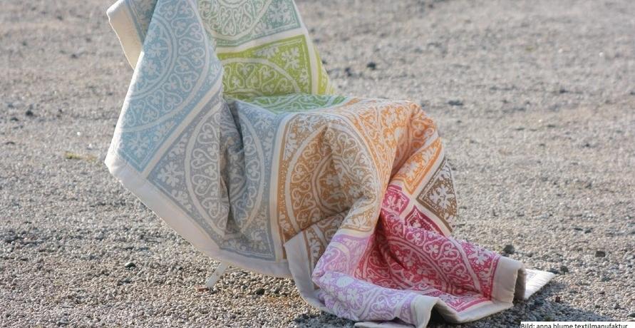 Dein Kuschel-Must Have für jede Jahreszeit – nachhaltige Decken & Co. für mehr Gemütlichkeit