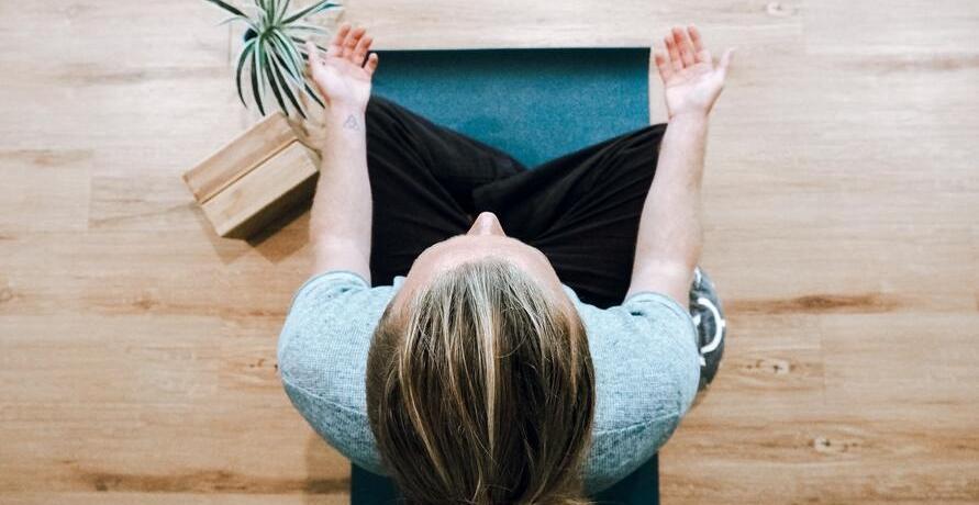 Lokales und faires Yoga-Equipment mit Herz für deine Yoga-Routine