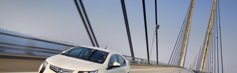 "Bestes Elektro-Serienauto 2011: Opel Ampera gewinnt ""e-Car-Award"""
