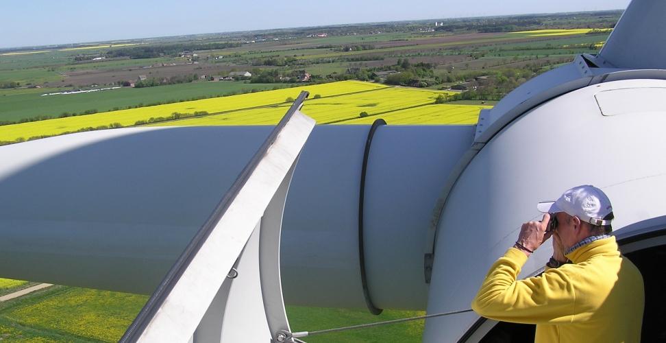 Jahresbilanz Windenergie 2012: Stabiles Wachstum in Deutschland im turbulenten Weltmarkt