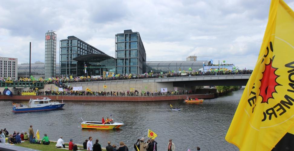 Zehntausende demonstrieren in Berlin gegen das Ausbremsen Erneuerbarer Energien