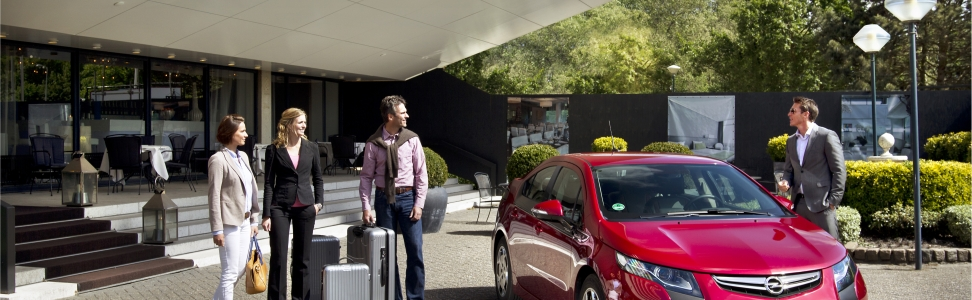 Opel und Europcar starten umfassende Elektroauto-Kooperation